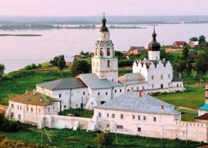 Экскурсия из Казани на остров-град в Свияжск, Раифский монастырь и Храм Всех Религий